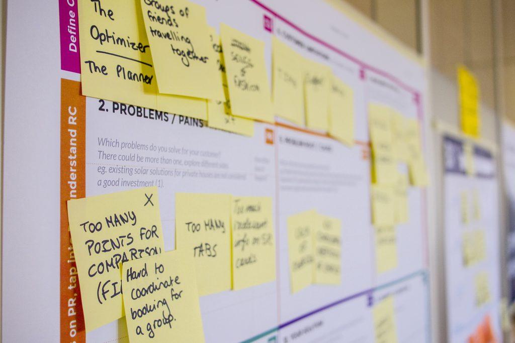 Los equipos ágiles utilizan herramientas y procesos para aportar valor
