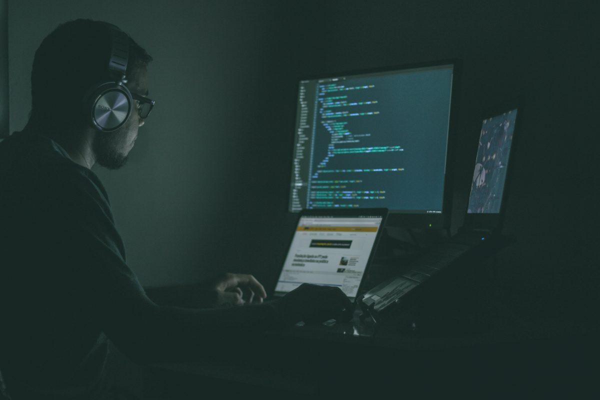 Un développeur full stack est orienté objet lorsqu'il travaille sur un projet.
