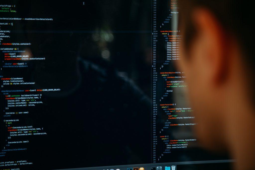 """La formation et l'expérience sont les meilleurs moyens d'apprendre à devenir un développeur """"full stack""""."""