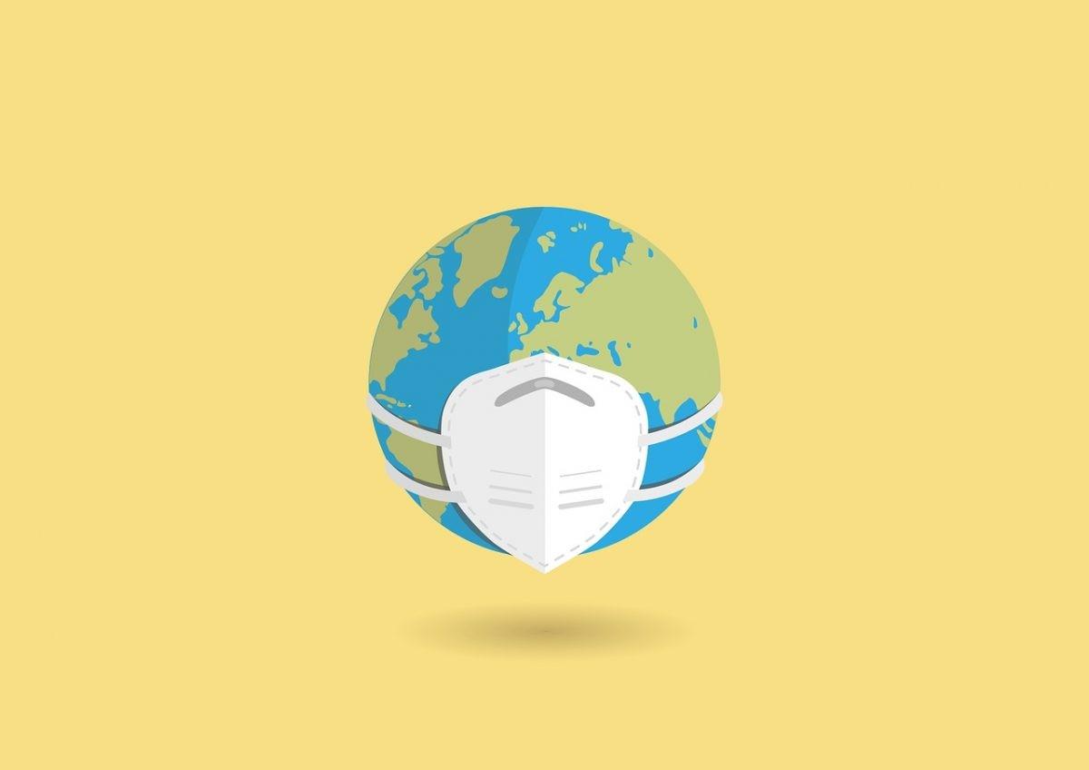 Tierra con una máscara facial contra COVID-19.