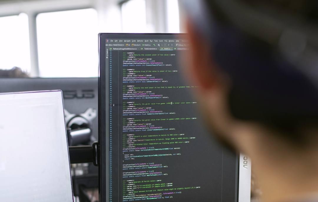 développeur travaillant sur l'externalisation du développement de logiciels